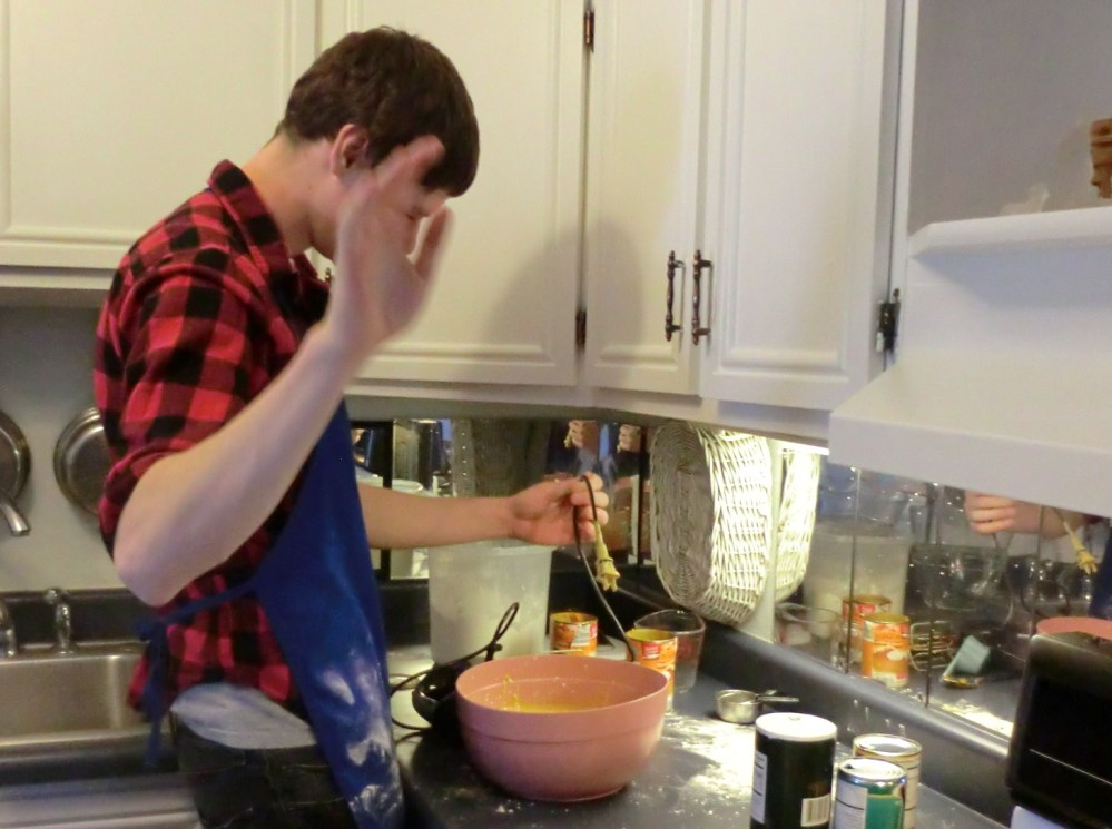 College Boy Makes a Pumpkin Pie (5/6)