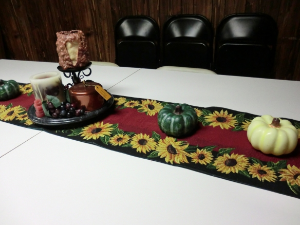 Fall dining room centerpiece.