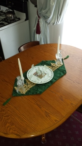 I wanted more gold in this tablescape and found a piece of gold, lace ribbon that was just the right length.