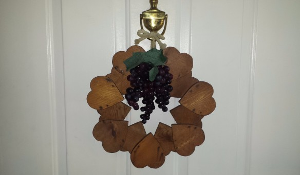 "Wooden wreath with grapes, ""September Decoration Flip"" frugalfish.org"