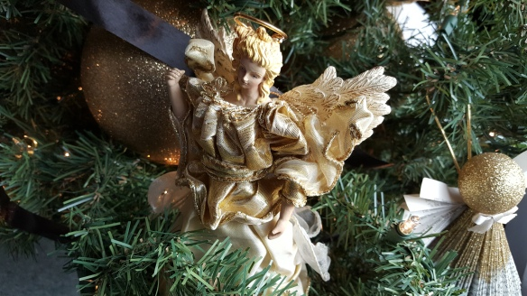 "Gold Angel Tree Topper ""Can You Guess My Christmas Theme"" frugalfish.org"