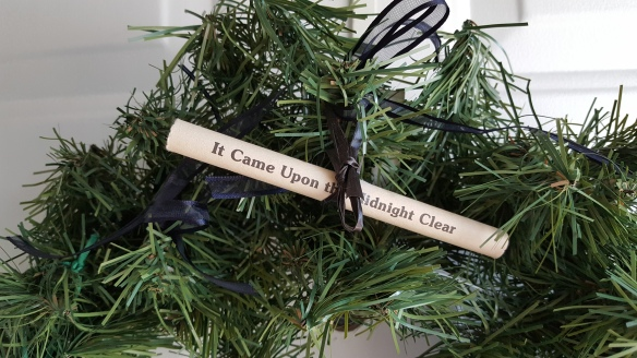 """Hint on Christmas Wreath """"It Came Upon a Midnight Clear"""" frugalfish.org"""