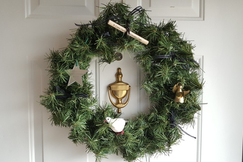 """Theme Wreath """"Can You Guess My Christmas Theme"""" frugalfish.org"""
