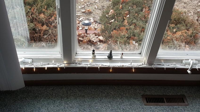 "Snowmen on Windowsill ""Whiter than Snow"" frugalfish.org"