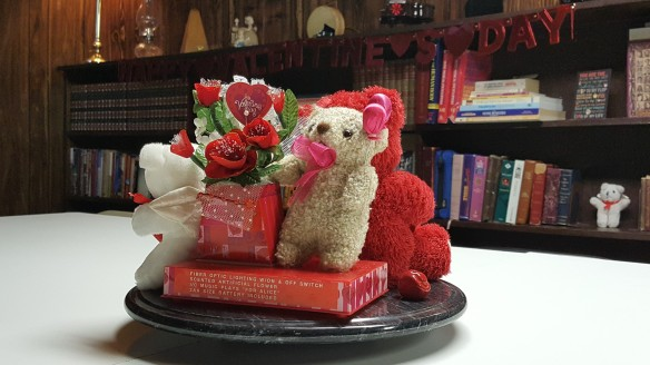 """Bears on Flowers on Centerpiece """"Hearts, Lips, and Bears"""" frugalfish.org"""