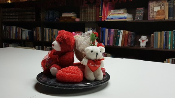 """Bears and Hearts Centerpiece """"Hearts, Lips, and Bears"""" frugalfish.org"""