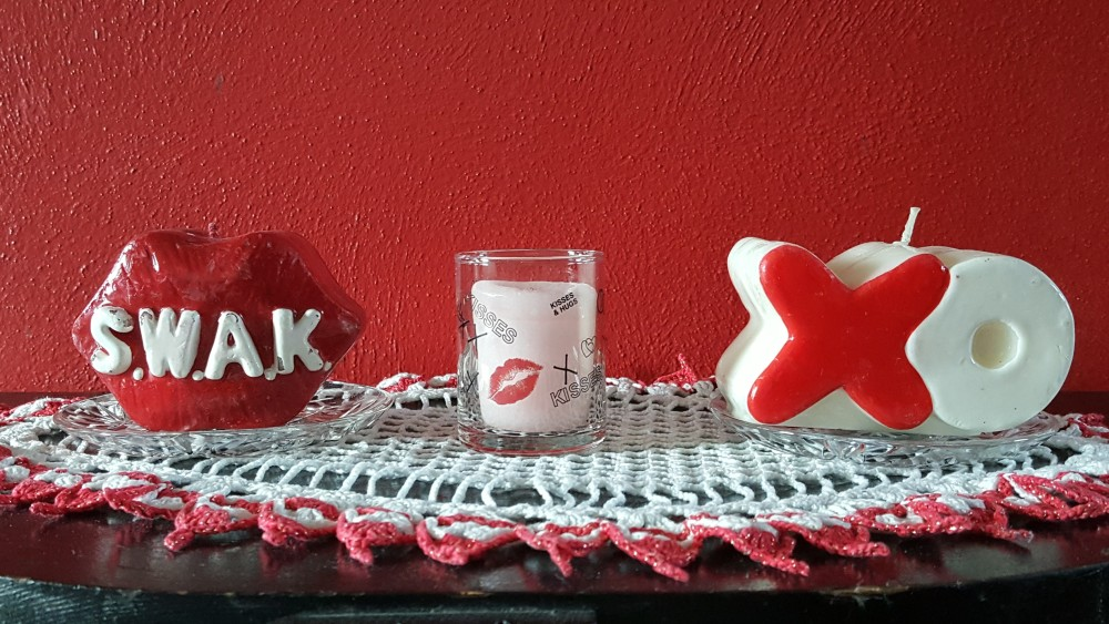 """Valentine Candles """"Hearts, Lips, and Bears"""" frugalfish.org"""