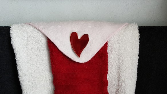 """Guest Towels """"Hearts, Lips, and Bears"""" frugalfish.org"""