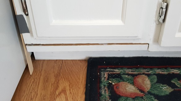 """Nailed on trim """"New Kitchen for Five Bucks"""" frugalfish.org"""