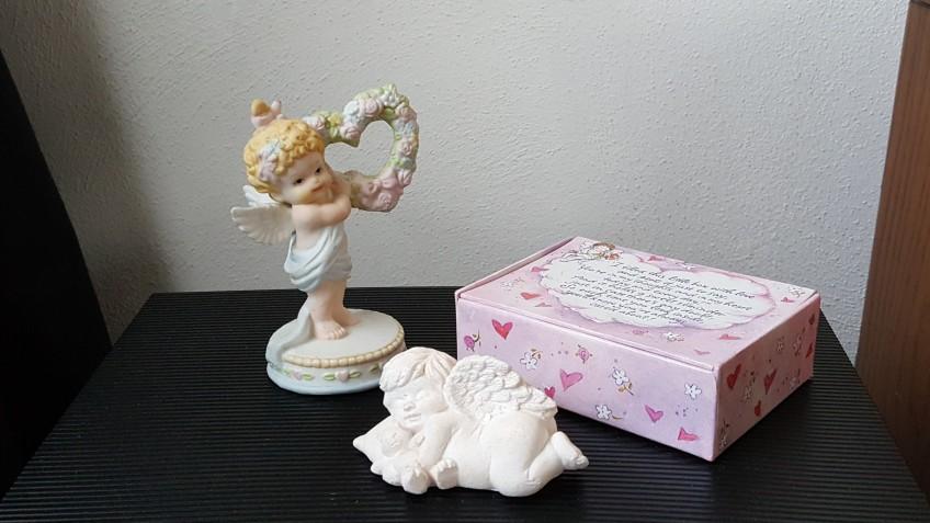 "Cherubs and Music Box ""Hearts, Lips, and Bears"" frugalfish.org"