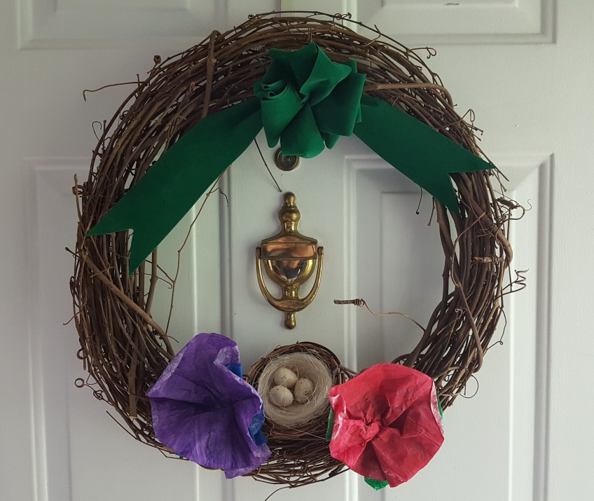 """Mother's Day Wreath """"Displaying Priceless Artwrok"""" frugalfish.org"""