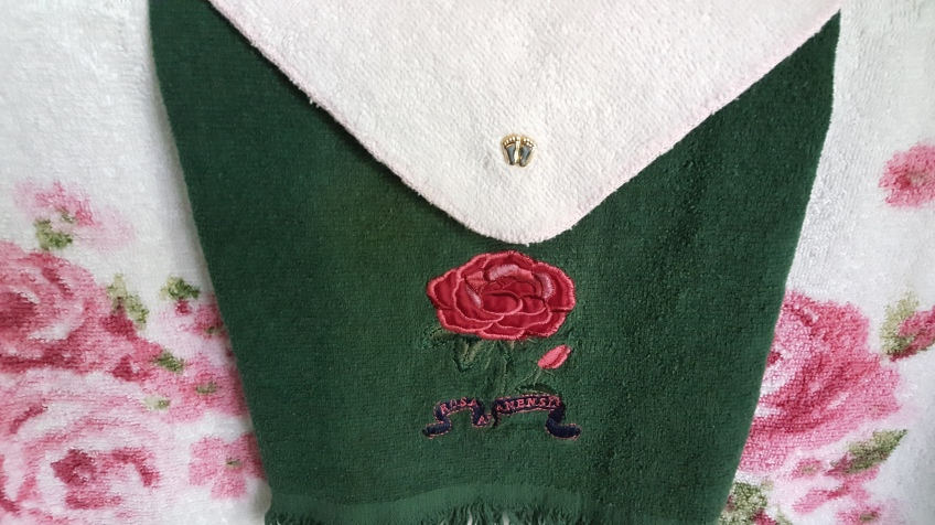 """Roses Towels with Baby Feet Pin """"Displaying Precious Artwork"""" frugalfish.org"""