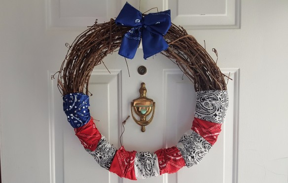 "Patriotic Bandanna Grapevine Wreath, ""Same Bandannas, Different Wreath"" frugalfish.org"