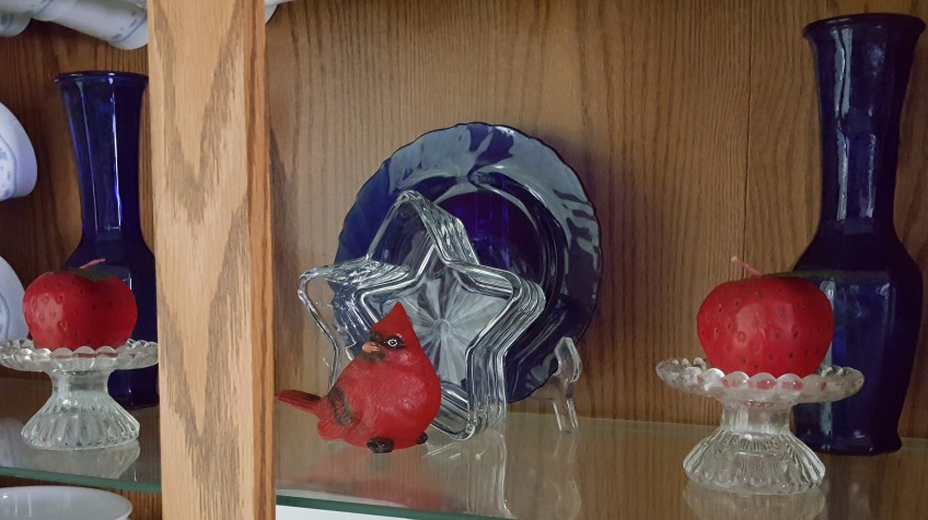 """Patriotic Cardinal and Strawberry Candles """"Same Bandannas, Different Wreath"""" fruglafish.org"""