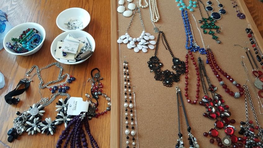 """Separate necklaces, bracelets, and earrings """"Jewelry at a Glance"""" frugalfish.org"""