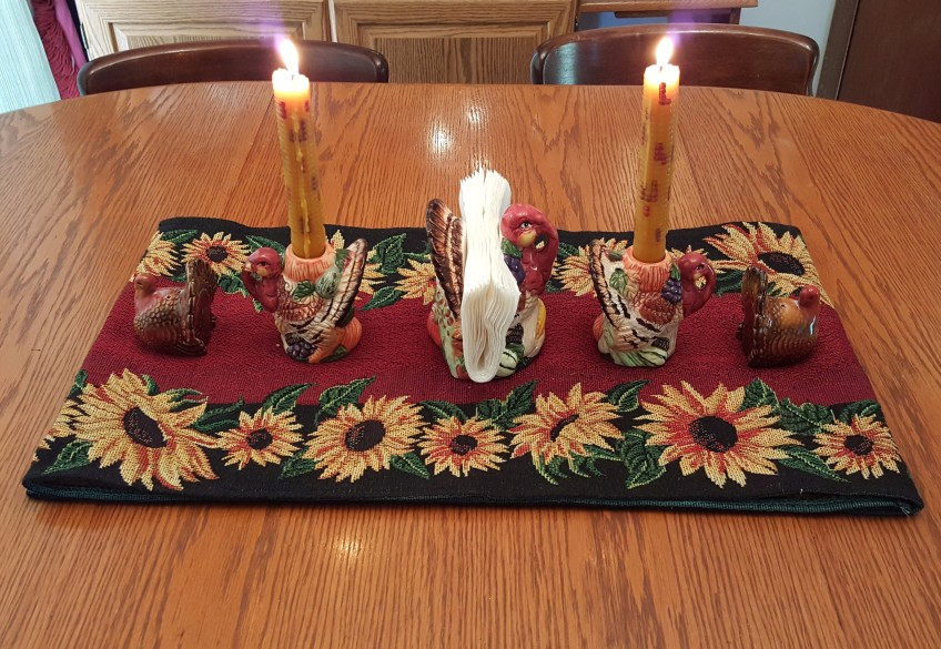 "Thanksgiving Centerpiece ""2018 Thanksgiving Home Tour"" frugalfish.org"