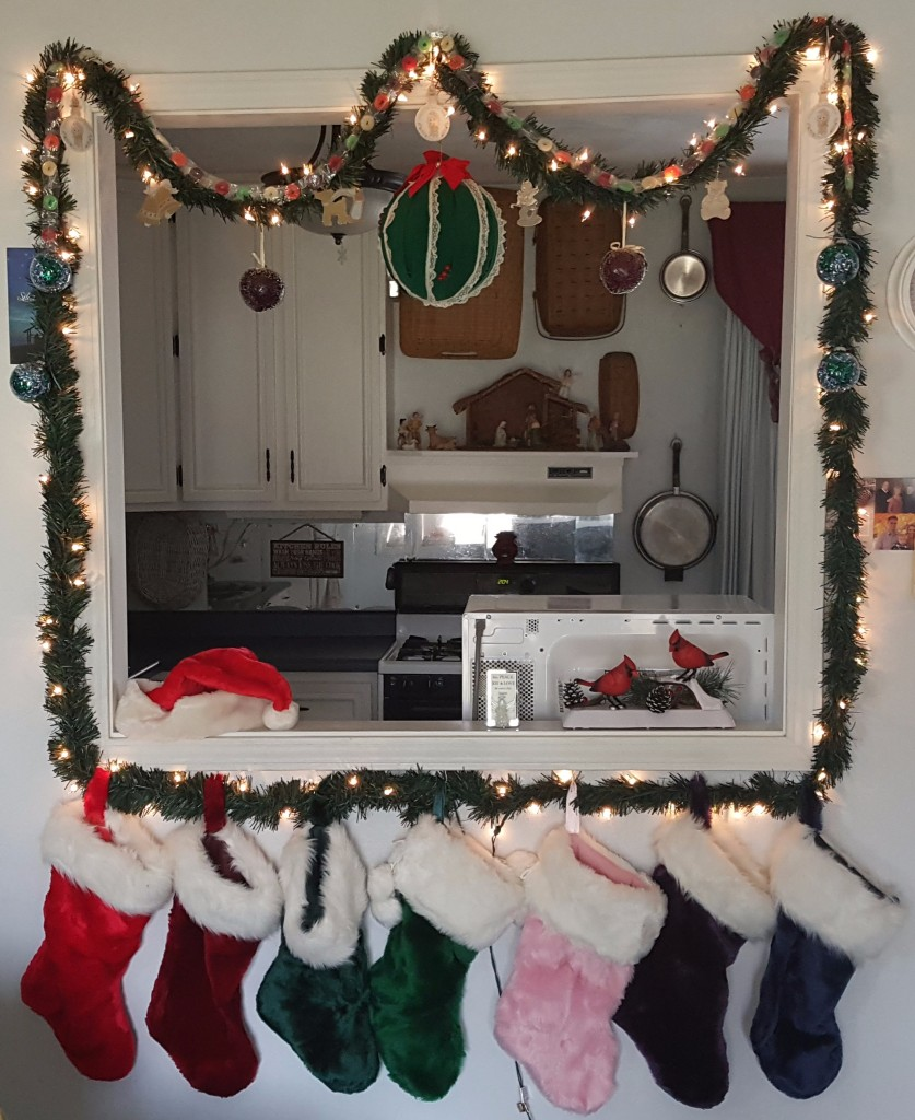 """Candy Garland and Stockings """"2017 Christmas Tour"""" frugalfish.org"""